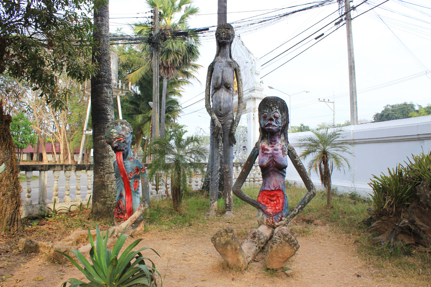 The Bizarre Temples of Phayao