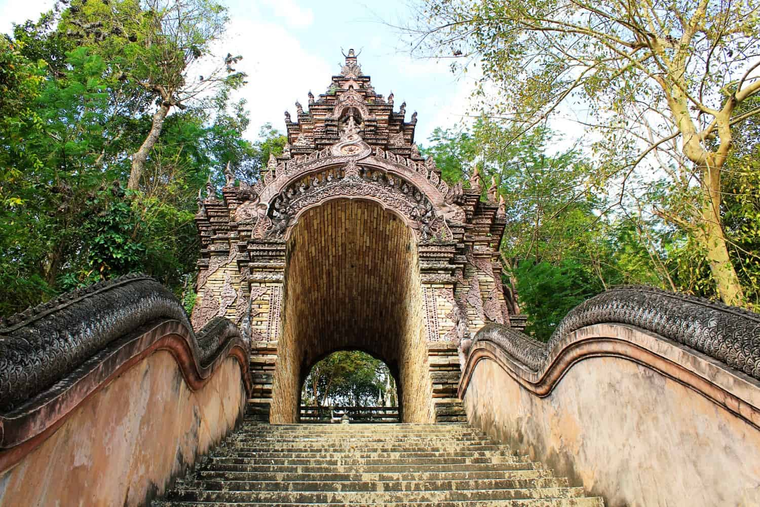 Wat Analayo, in Phayao