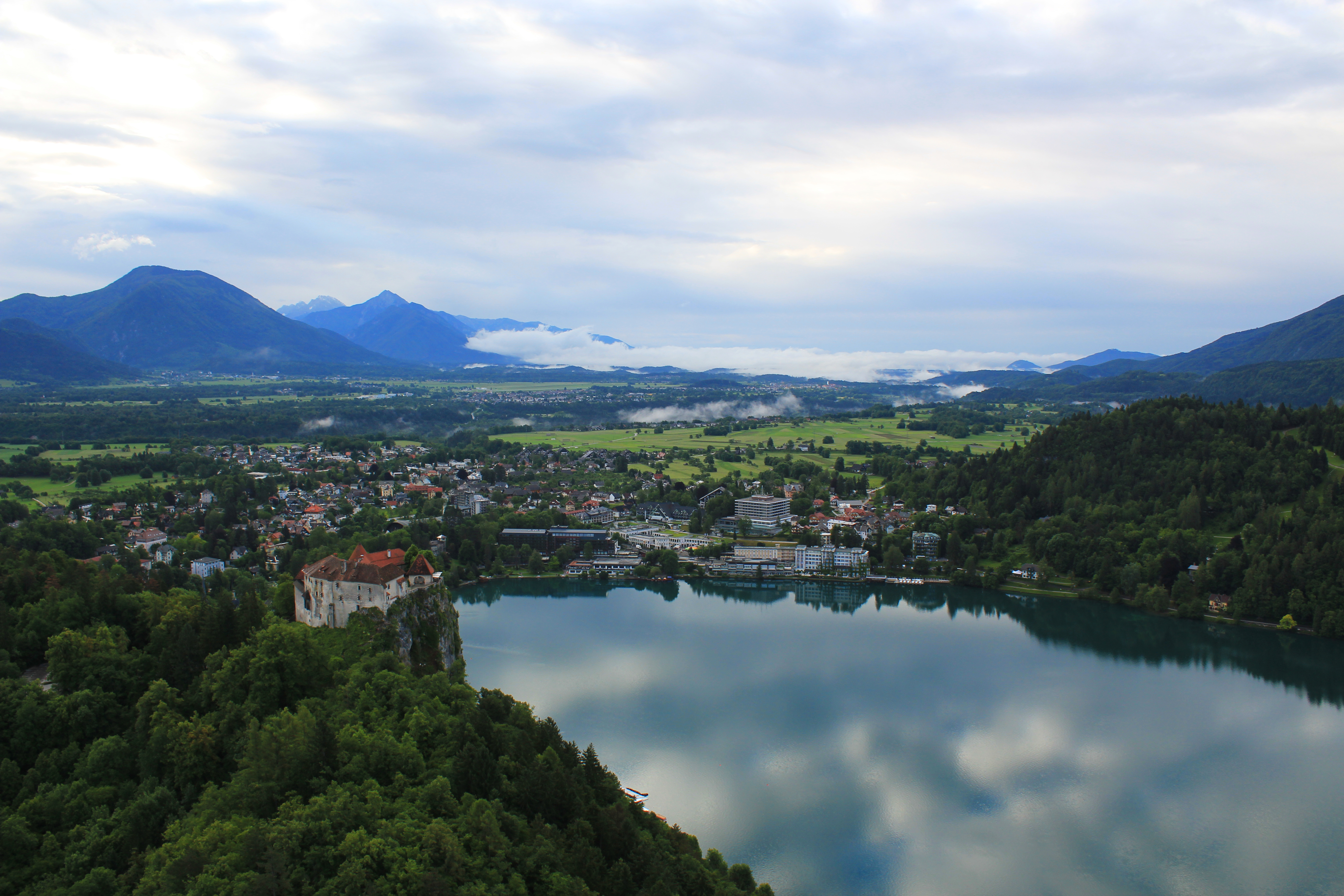hot air balloon ride over lake bled