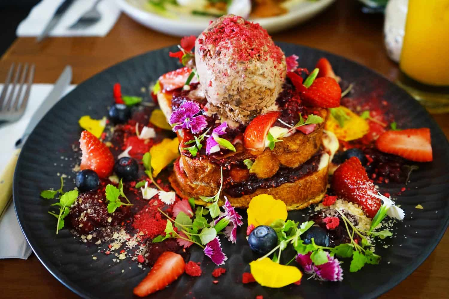 I wouldn't be able to afford to eat many brunches like this if I chose to live in Australia!