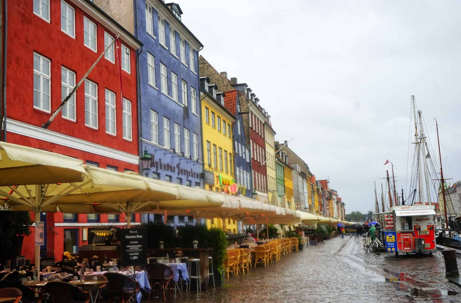 Nyhavn in the rain